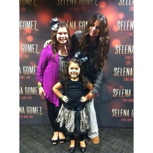 Selena Surprises two little fans after her show - November 10
