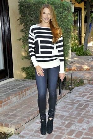 Sighting (Beverly Hills, CA) - October 6, 2013