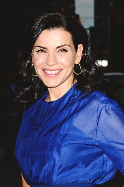 Julianna Margulies arrives for the 'Late دکھائیں with David Letterman' at Ed Sullivan Theater