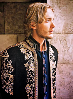 Toby Regbo fondo de pantalla entitled Toby as Francis