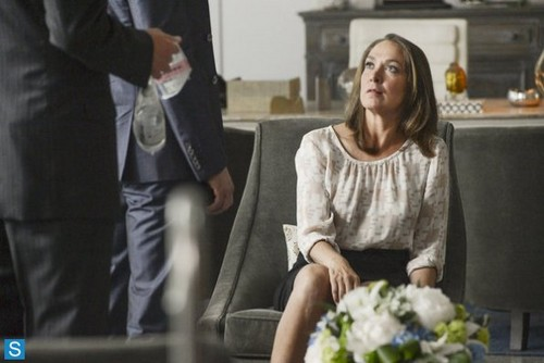 White collier fond d'écran probably with a bouquet and a business suit titled White collier - 5.04 - Controlling Interest - Promo Pics