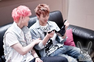 º ☆.¸¸.•´¯`♥ Zelo and Jongup! º ☆.¸¸.•´¯`♥