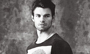 daniel gillies → comic con photoshoot