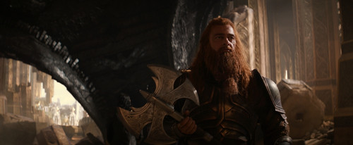 http://images6.fanpop.com/image/photos/36000000/volstagg-with-axe-ray-stevenson-36053831-500-206.jpg