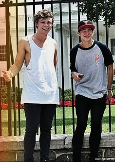 Calum and ash - 5 Seconds of Summer Photo (36190694) - Fanpop