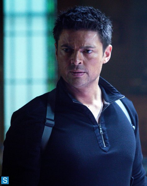 Almost Human - Episode 1.02 - Skin - Promotional 사진