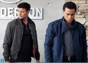 Almost Human - Episode 1.03 - Are wewe Receiving? - Promotional picha