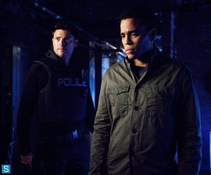 Almost Human - Episode 1.04 - The Bends - Promotional foto-foto