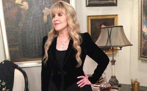 Ryan Murphy tweets picture of Stevie Nicks on 'American Horror Story'