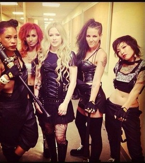 Avril and dancers