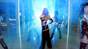 Britney Spears Work B**ch ! Premiere