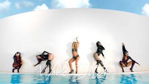 Britney Spears Work bitch, kahaba ! Uncensored