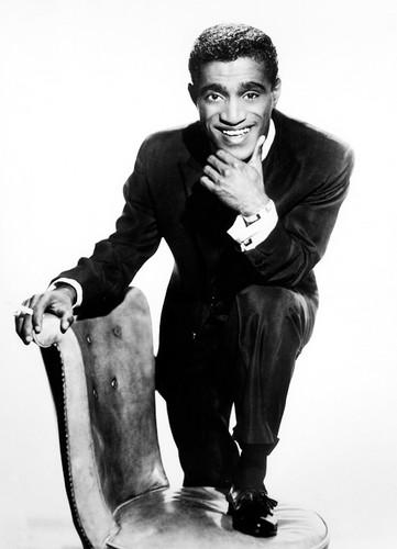 celebrità che sono morte giovani wallpaper containing a business suit entitled Sammy Davis, Jr.