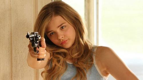 Chloe Moretz wallpaper probably containing a portrait called Chloe Grace