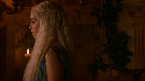 Daenerys Targaryen fond d'écran called Daenerys Targaryen