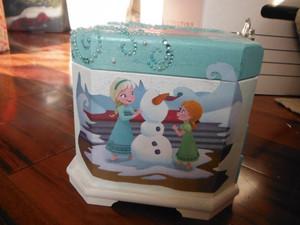 Elsa's Snowflake Jewelry Box