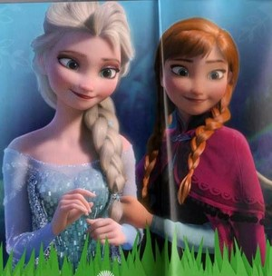 迪士尼 made two of the most beautiful sisters ever! Elsa and Anna