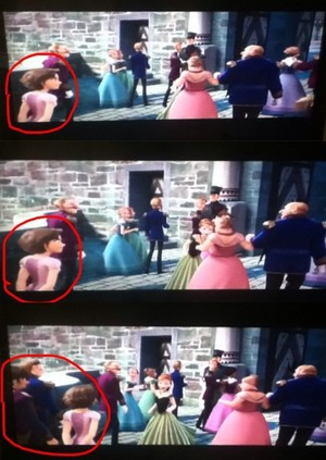 "Rapunzel and Eugene's cameo in ""Frozen"""