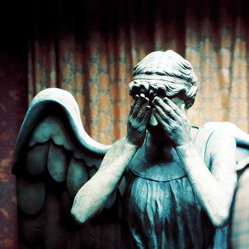 Doctor Who karatasi la kupamba ukuta called Weeping Angel
