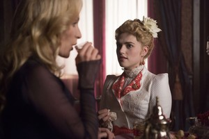 Lucy Westenra and Lady Jane