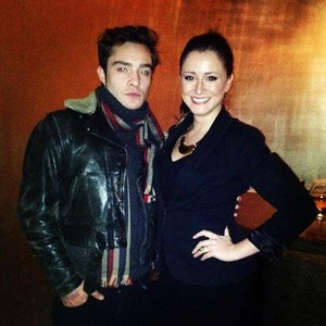 Ed Westwick with tagahanga in Chicago.