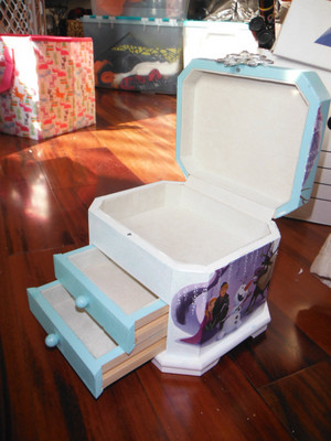 Elsa's Snowflake Jewelry Box