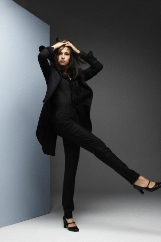 Famke Janssen 바탕화면 containing a well dressed person and a business suit titled Famke Janssen
