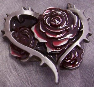 Thorns-and-Roses-belt-buckle-flowers