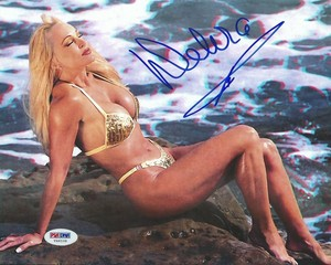 High Quality Autograph - Gold Bikini