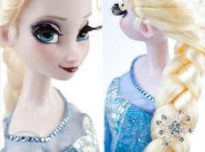 Elsa LE disney Store doll