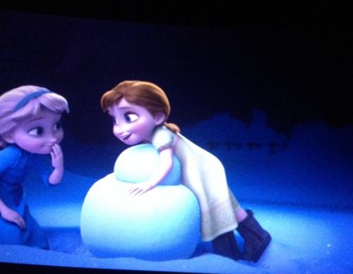 La Reine des Neiges fond d'écran titled Do toi Want To Build A Snowman?