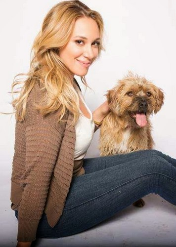 Haylie Duff wallpaper called Christmas Belle [promo]