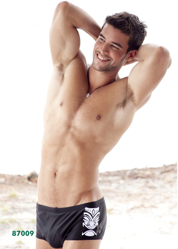 actores más guapos fondo de pantalla containing a hunk, a six pack, and swimming trunks called Bernardo Velasco!