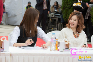 Lotte Fansign-Sunny and Yoona