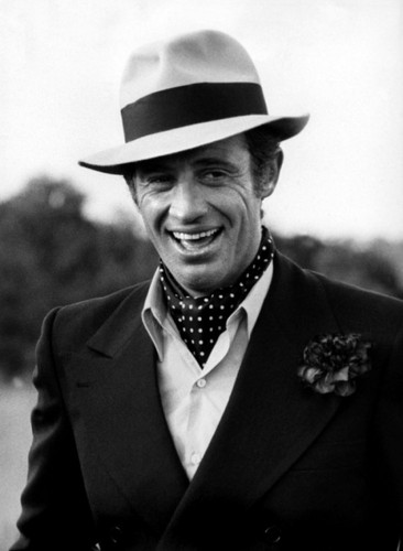 Jean-Paul Belmondo fondo de pantalla containing a business suit, a suit, and a double breasted suit called Jean-Paul Belmondo