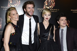 The Hunger Games: Catching apoy Premiere [HQ]