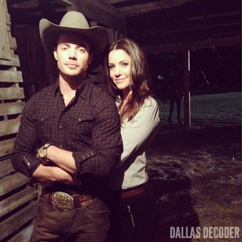Josh Henderson karatasi la kupamba ukuta containing a fedora and a boater called Josh & Julie Gonzalo ಇ