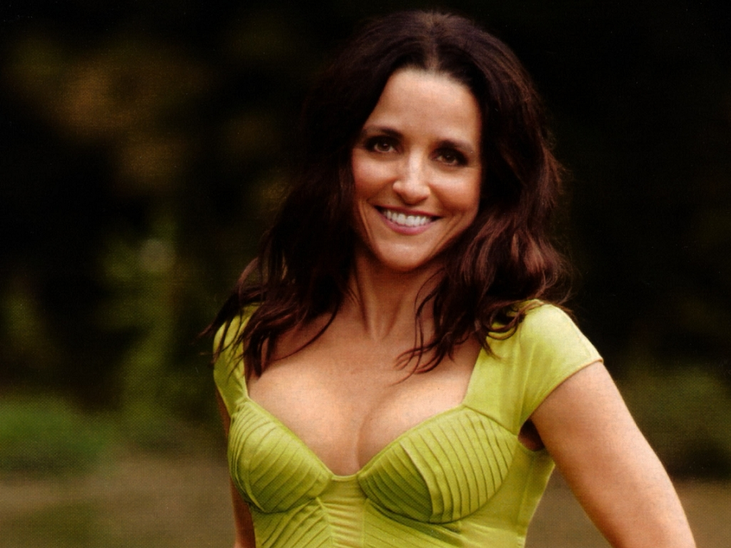 As elaine julia louis dreyfus