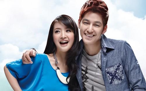 Ким Бом Обои with a leisure wear, an outerwear, and a блузка titled Kim Bum and Ariel Lin for Echitoo