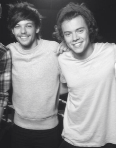 Larry Stylinson wallpaper probably with a leisure wear entitled Larry Stylinson ♡
