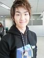 Onew-lee-jinki-onew-24492635-379-500.jpg