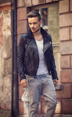 Liam Payne wolpeyper with a kalye called Midnight Memories