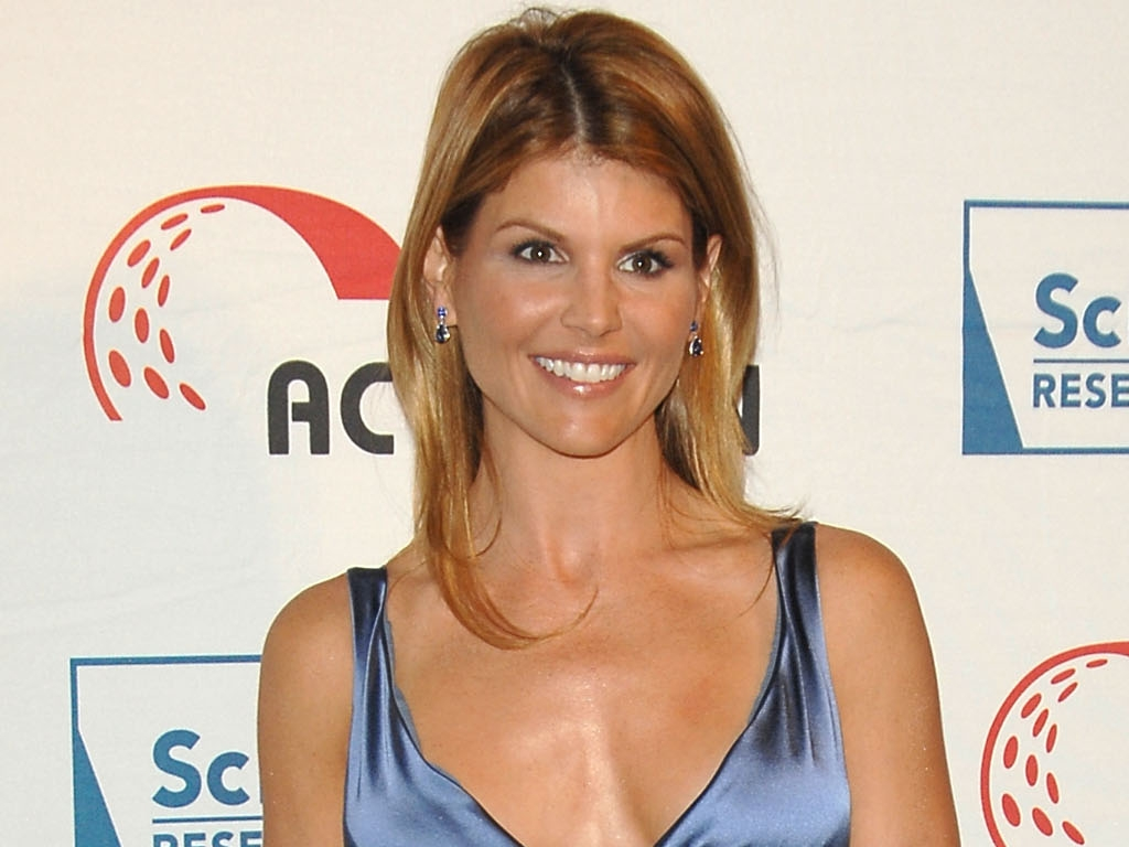 photo store lori loughlin pictures download