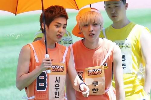Luhan (루한) wallpaper containing a parasol called 130903 Idol Athletics Championship