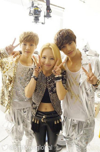 Luhan (루한) wallpaper probably containing a portrait titled Luhan, Hyo yeon, Kai