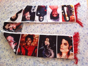 A Vintage Michael Jackson emballage, wrap Scarf
