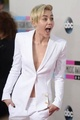 Miley at AMA 2013 - miley-cyrus photo