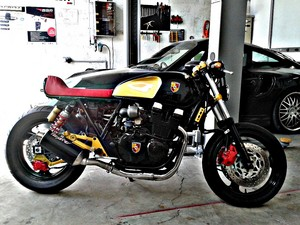 CUSTOM PORSCHE CAFE RACER By AMBIZAS Дизайн