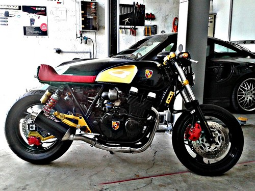 Porsche Custom Motorcycle: Motorcycles Images CUSTOM PORSCHE CAFE RACER By AMBIZAS