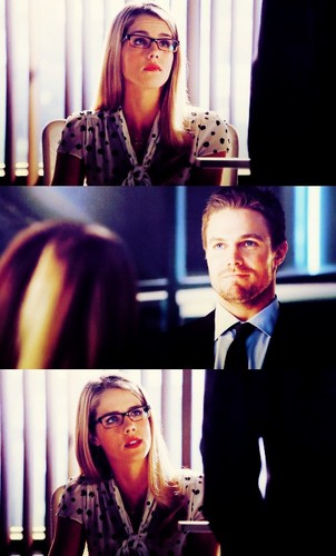 Oliver & Felicity achtergrond with a business suit and a suit titled Oliver/Felicity